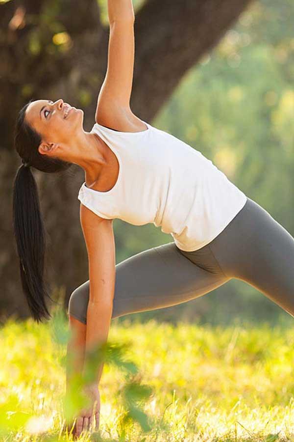 bg yoga nel parco
